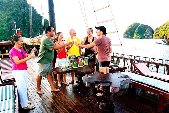 Tour Hạ Long 2 Ngày 1 Đêm đi từ Hà Nội - Du Lịch Nam Á Châu
